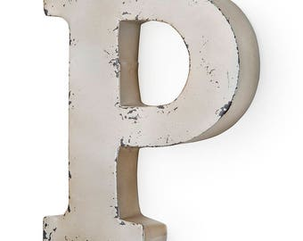 Antique ivory-colored metal letter P 26X5X30 cm