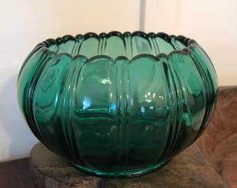 Vintage Fenton Green Glass Round Bowl or Planter with Scallop and Ribbed Design | Marked with Cursive F on Base