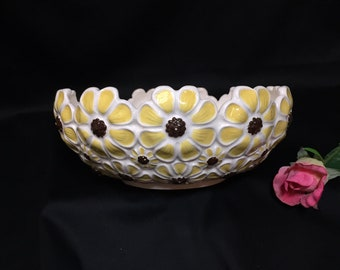 Vintage Daisy Ceramic Serving Bowl Yellow Flowers