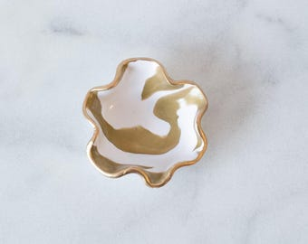 Ring Dish- White and Gold Clay Ring dish, White and Gold Jewelry dish,Jewelry Holder,White Gold Ring holder,Marbled Ring Dish Jewelry Holder