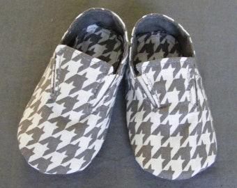 Baby Shoes Pattern - Little Man