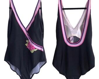 7d0d5366e1071 Vtg 60 s Bathing Suit Playsuit Womens Vintage Large Swim Floral Black Pink  striped chest formation 60 s 50 s one piece festival sale top rad