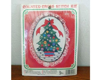 Counted Cross-Stitch Kit - The New Berlin Co - Christmas Tree - 1986