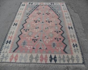 Pale color, Muted rug, Small size kilim rug, Vintage Turkish rug, pastel kilim rug, kelim, vintage rug, bohemian rug, bedroom rug, small rug
