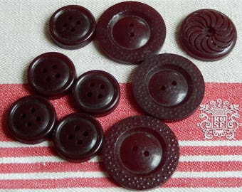 9 retro buttons stained bordeaux Burgundy wine / diameters from 18 to 27 mm / assortment