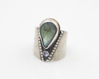 Sterling Silver - Beaded - Labradorite - Rainbow Moonstone - Shield - Ring