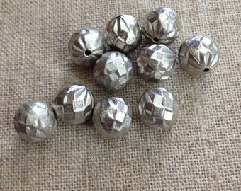 Vintage Silver Lucite Beads, Vintage Faceted Lucite Beads, Round Antique Silver Beads, 12mm, Destash, 10