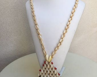 "Vintage Hawaiian cowrie shells necklace chunky triangle shape pendant 18"""