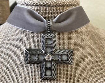 "1"" Light Gray velvet choker with square cross pendant"