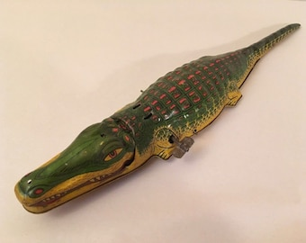 Vintage 1930s J. Chein ALLIGATOR Tin Litho Wind-up Toy