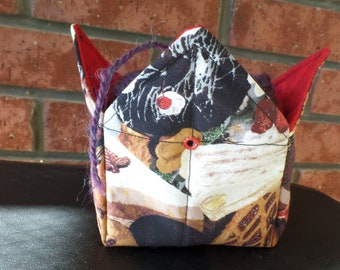 Fold & Go YARN BOWL Bakery Sweets exterior + red / black print quilted lining Travel Yarn Keeper Mini-pockets Knitters Crocheters Organizer