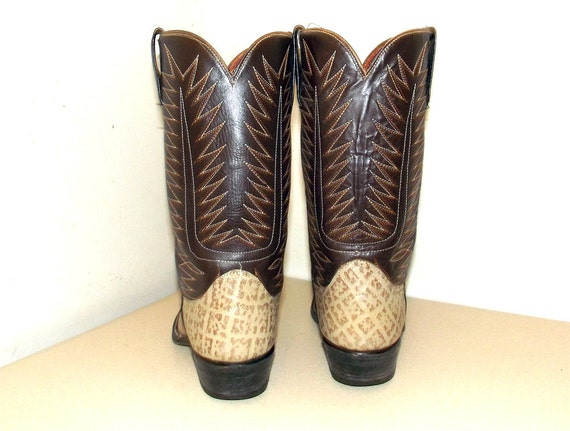 12 D 10 or two Cowtown Cowgirl size 5 brown boots tone cowboy size 718aT6
