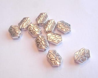 antiqued silver wall 10 beads size 11 x 8 mm