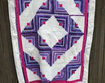 Fullsize purple pink and white quilt