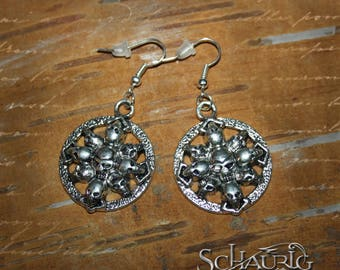 Skull earrings, Gothic
