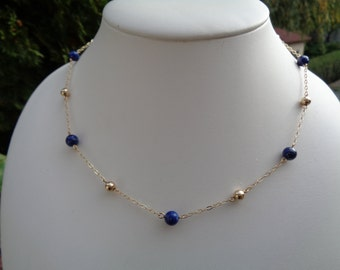 Chain in 585-er gold with lapis lazuli