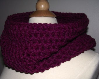 Cowl Magenta Wool-Blend Crochet, Chunky, CIrcle Scarf