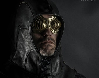 Eyecage Leather Mask in Gold