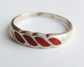 Vintage 925 Sterling Silver Four Red Enamel Ring Size 7 3/4 - P