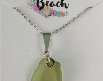 Light Peridot/Citron Genuine Seaglass Pendant Necklace Silver 18 Inch Chain