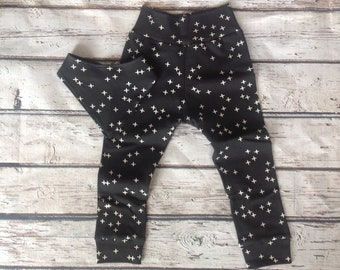 Organic baby clothes, Black Star Joggers, Baby Harem Pants, Bandana Bib, Baby leggings, Baby Shower gift, New Mom Gift, Coming Home Outfit