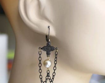 Black and pearl earrings, Goth, Victorian mourning, Steampunk, chandelier, assemblage earrings, handmade in France, chez Sylvie/102