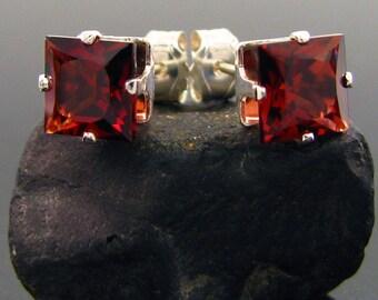 Garnet earrings, red garnet earrings, garnet earings, garnet stud earrings 6x6 mm