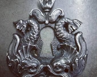 escutcheon dolphins necklace style Louis XIV