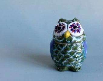 Ceramic green owl, handmade ceramic owl, handmade pottery, handmade owl statue, italian pottery, home decoration.