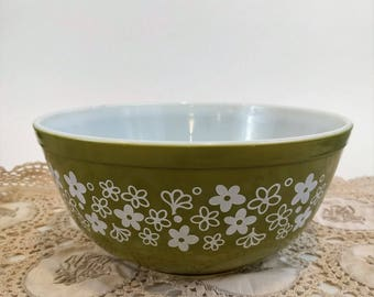 Pyrex vintage Spring Blossom Green Bowl with White Flowers number 403, 2.5 Qt