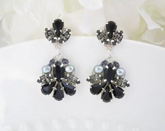 Black earrings, Black crystal wedding earring, Swarovski crystal earrings, Rhinestone and pearl dangle earring, Mother of bride earring