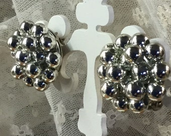 Simple Silver Tone Clustered Bead Earrings Clip On Unsigned 1950's