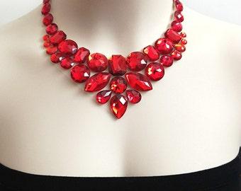 bavoir rouge - rouge strass bavoir collier parfait pour les demoiselles d'honneur, bal, mariage, cadeau ou pour vous neuf