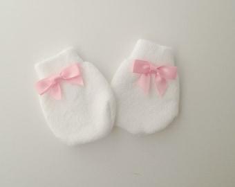 Newborn Girl Mittens, Baby mittens, Baby no scratch mittens, Newborn Mitts, Baby girl mittens