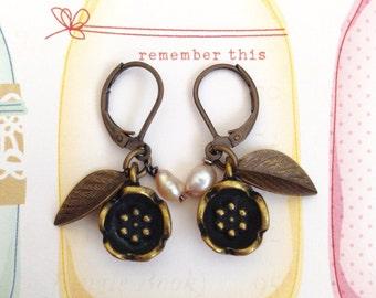 Free Shipping, Flower Pearl Brass Earrings, Fresh Water Pearl Earrings, Dangle Earrings, Flower Earrings, Handmade Earrings, Christmas Gift