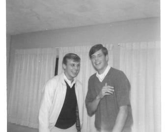 """Vintage Snapshot """"He Can Take A Joke"""" Teenage Boys Laugh Found Vernacular Photo"""