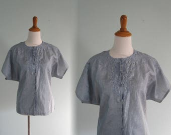 80s Silk Blouse - Vintage Cutwork Lace Silk Top in Chambray Blue - Pretty 80s Blue Silk Shirt - Vintage 1980s Blouse L XL