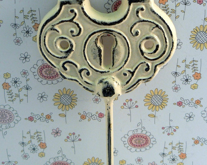 Padlock Shabby Elegance Hook Jewelry Holder Lock Key Hook Cream Off White Leash Jewelry Coat Hat Keys Bathroom Towel Mudroom Nursery  Hook