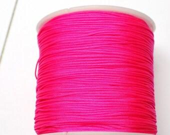 2 meters of 0.8 mm diameter fluorescent pink nylon thread