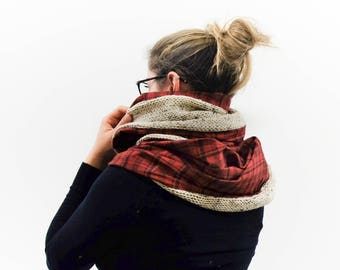 Chunky Knit Plaid Blanket Scarf  / Circle Infinity Scarf Cozy Wool