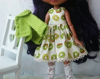 Blythe clothes. Kiwi dress, cardigan and lace socks set