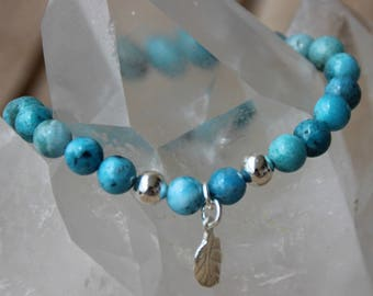 Bracelet with hemimorphite and silver leaf beads
