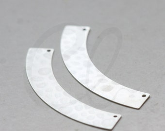 One Piece Premium Matte Silver Plated Brass Base Hammered Crescent Link - Geometry - 50.5x14mm (3080C-G-344)