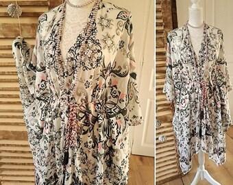Bohemian kimono white printed cotton. Hippie chic boho kimono dress. Bohemian beachwear, summer maxi kimono, ethnic chic gypsy spirit.
