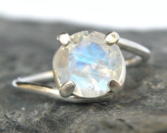 Rainbow Moonstone Engagement Ring in Sterling Silver, Rainbow Moonstone Ring, Moonstone Jewelry, Sparkle Gemstone - MADE TO ORDER