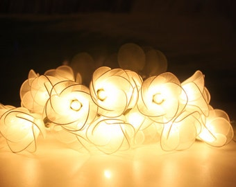 White flower string lights for party and decoration (20 bulbs)
