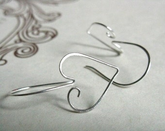 Delicate spiral heart earrings, small swirl silver earrings, cute mother's day gift, ivy leaf shape