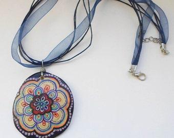 À la main peint Zentangle Mandala collier, pendentif Original de Mandala dessin, dessin Zentangle, Yoga ethnique collier Bijoux, collier Bohème