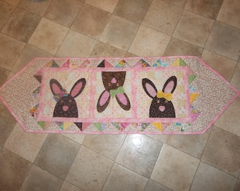 The Bunny Hop Table Runner