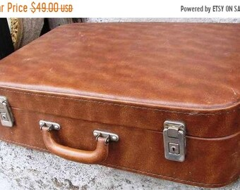 suitcase,light brown artificial leather,leather case,perfect suitcase,universal suitcase,gift for a man,suitcase for work,  working suitcase